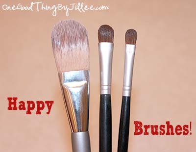 cleaning makeup brushes